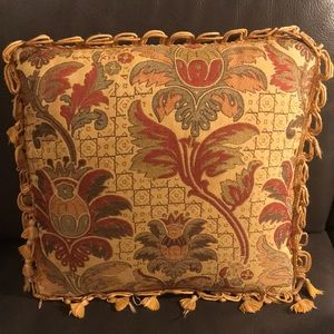 Accents - ☀️Decorative  throw Pillow!☀️
